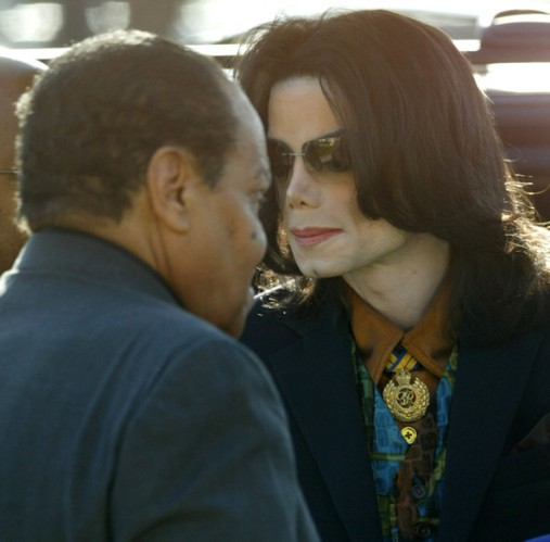 Michael+Jackson+Trial+Continues+E655uoYW33Il